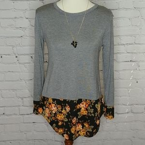 GRAY TOP WITH FLORAL DETAILS